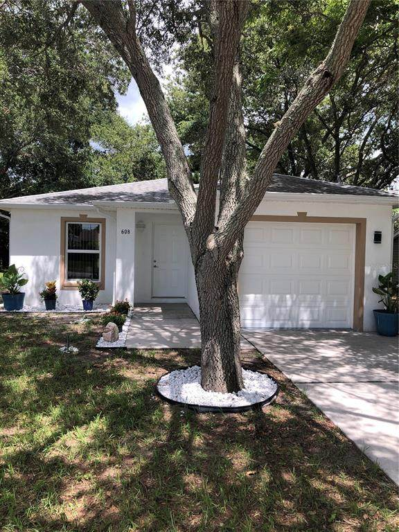 608 2ND Street SW, Largo, FL 33770 (MLS #A4506817) :: The Hustle and Heart Group