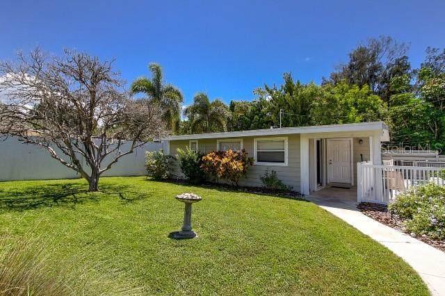 7007 Point Of Rocks Road, Sarasota, FL 34242 (MLS #A4507888) :: Zarghami Group