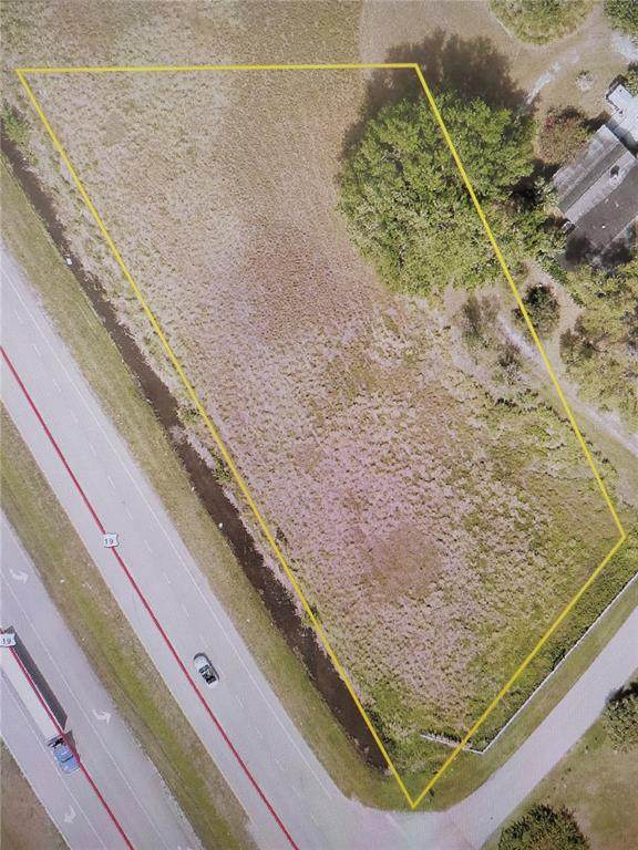 330 Bayshore Drive, Palmetto, FL 34221 (MLS #A4510012) :: SunCoast Home Experts