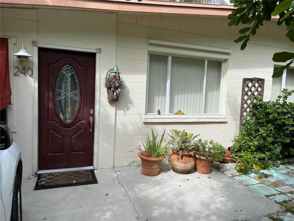 240 Gladiolus Street - Photo 1