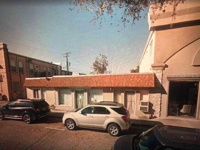 113 N 7TH Avenue, Wauchula, FL 33873 (MLS #A4511773) :: The Paxton Group