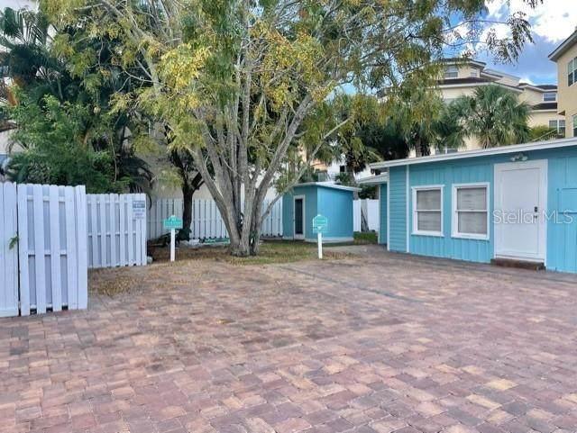 430 Canal Road #11, Sarasota, FL 34242 (MLS #A4514839) :: CARE - Calhoun & Associates Real Estate