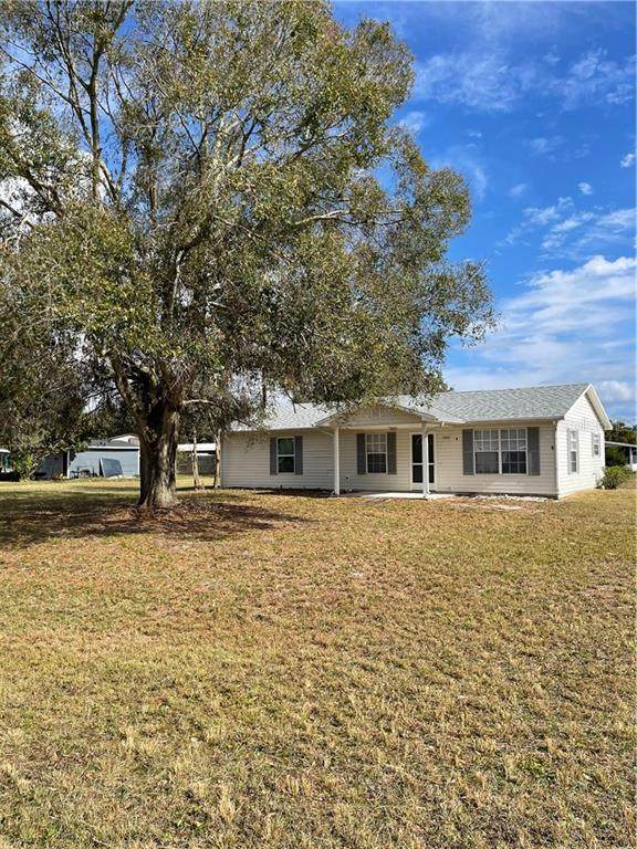 5882 Fox Haven Drive, Winter Haven, FL 33884 (MLS #B4900645) :: The Price Group