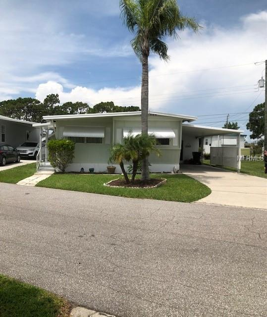 260 Outer Drive E, Venice, FL 34285 (MLS #C7403954) :: The Lockhart Team