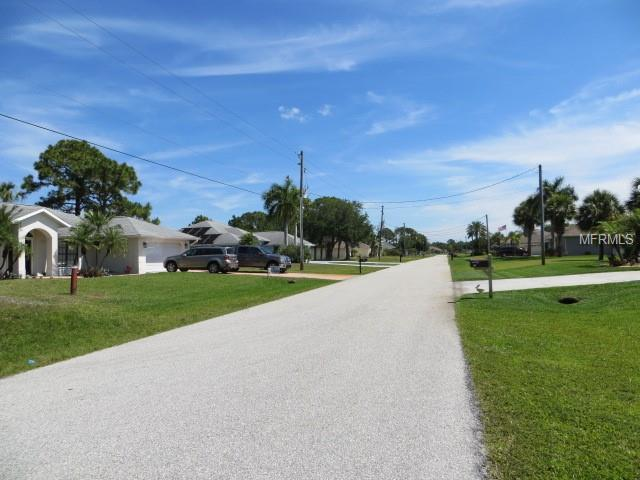 25 Long Meadow Court, Rotonda West, FL 33947 (MLS #C7414473) :: GO Realty