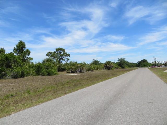 345 Baytree Drive, Rotonda West, FL 33947 (MLS #C7414547) :: Delgado Home Team at Keller Williams