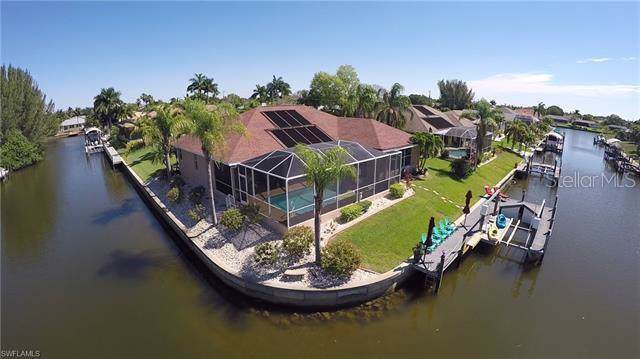 506 SE 30TH Street, Cape Coral, FL 33904 (MLS #C7419920) :: Cartwright Realty