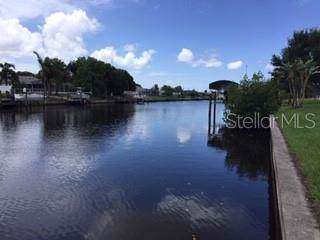 Tarpon, Port Charlotte, FL 33952 (MLS #C7420310) :: Bustamante Real Estate