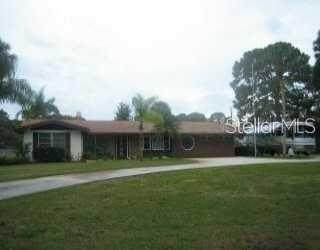 1450 Bayshore Drive, Englewood, FL 34223 (MLS #C7430453) :: Medway Realty