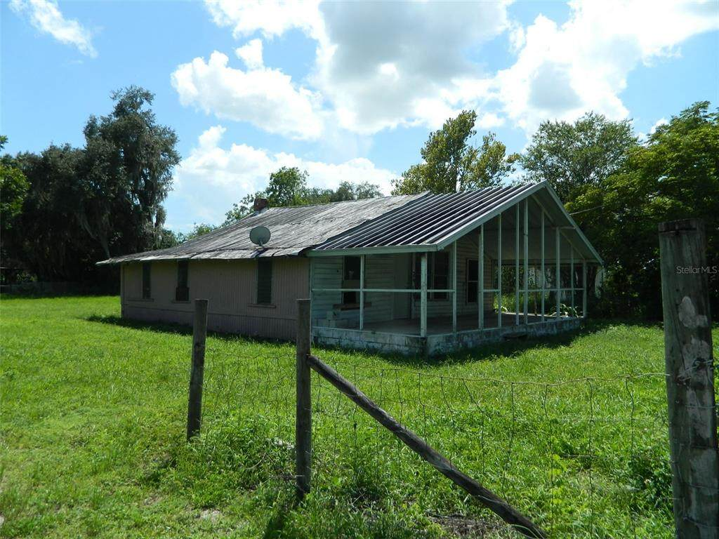 2419 County Road 760A - Photo 1
