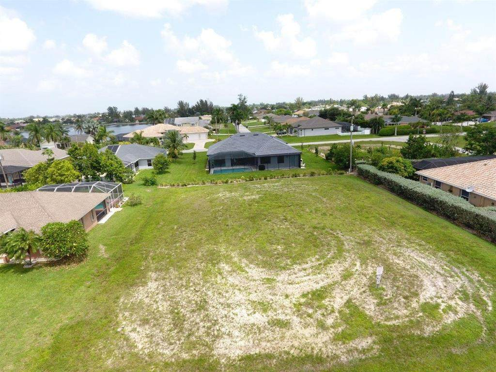 1403 38TH Terrace - Photo 1