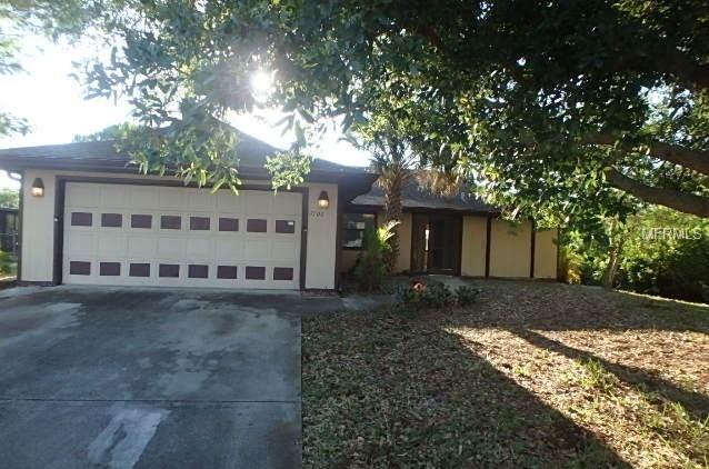 7106 Sunnybrook Boulevard, Englewood, FL 34224 (MLS #D6102446) :: The Lockhart Team