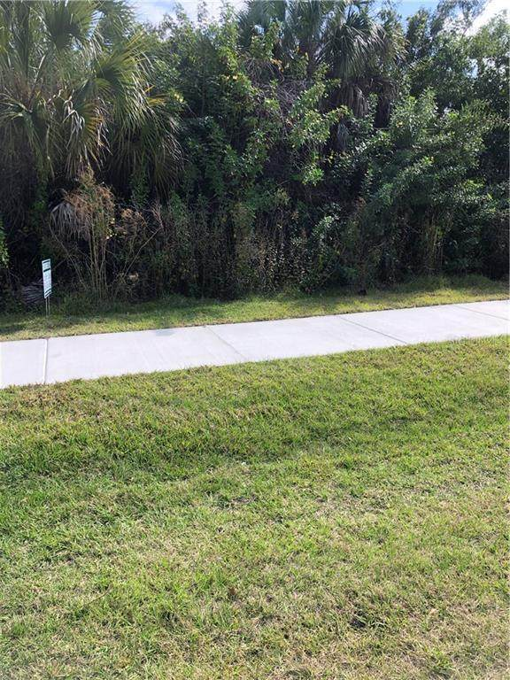 6390 Spinnaker Boulevard, Englewood, FL 34224 (MLS #D6116997) :: RE/MAX Local Expert