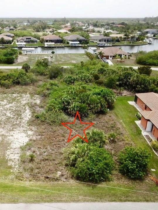 8181 Tecumseh Circle, Port Charlotte, FL 33981 (MLS #D6119574) :: The Posada Group at Keller Williams Elite Partners III