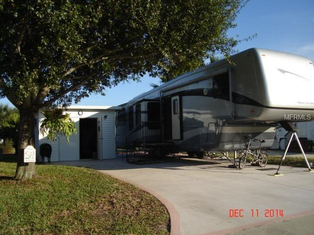 2261 Orbiter Court #148, Titusville, FL 32796 (MLS #G4851461) :: Delgado Home Team at Keller Williams