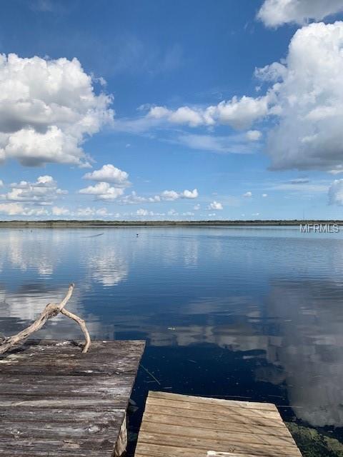 727 Cr 467, Lake Panasoffkee, FL 33538 (MLS #G5009283) :: Cartwright Realty
