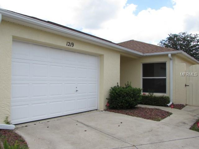 1219 Santa Cruz Drive, The Villages, FL 32162 (MLS #G5016177) :: GO Realty