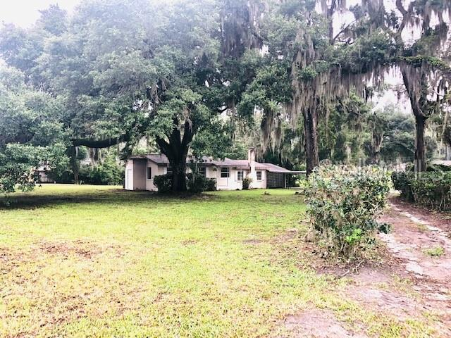 2284 County Road 526, Sumterville, FL 33585 (MLS #G5017229) :: The Brenda Wade Team