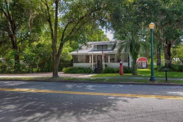 1022 N Donnelly Street, Mount Dora, FL 32757 (MLS #G5019139) :: CENTURY 21 OneBlue
