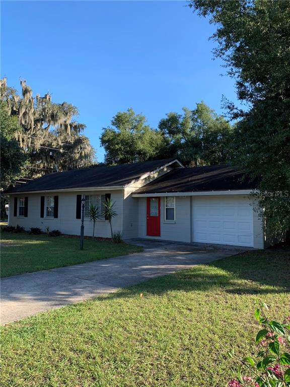 1224 E 2ND Avenue, Mount Dora, FL 32757 (MLS #G5022831) :: Cartwright Realty