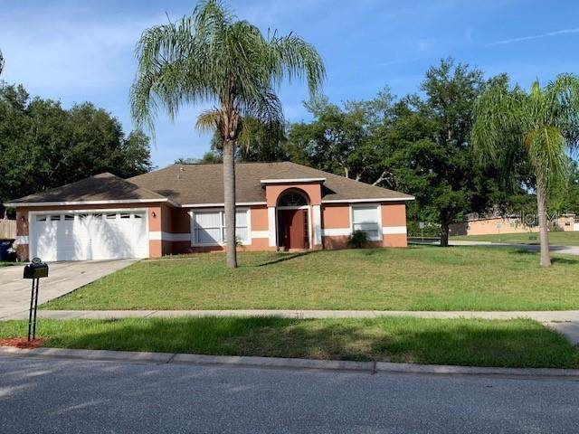 1301 Woods Edge Court, Minneola, FL 34715 (MLS #G5023385) :: 54 Realty