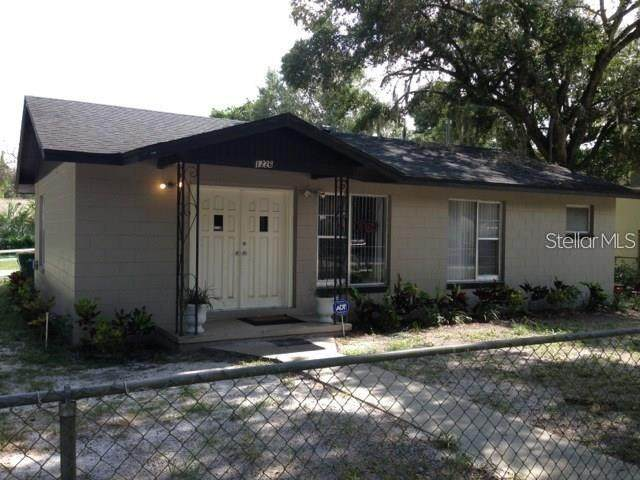 1226 E Hazzard Avenue, Eustis, FL 32726 (MLS #G5034973) :: Griffin Group