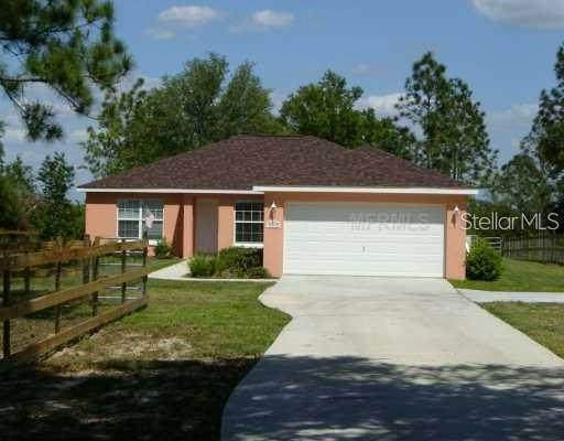 38320 Grays Airport Road, Lady Lake, FL 32159 (MLS #G5043555) :: RE/MAX Marketing Specialists