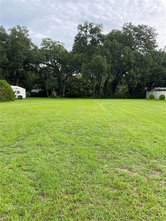 8362 County Road 109, Lady Lake, FL 32159 (MLS #G5043869) :: RE/MAX Elite Realty