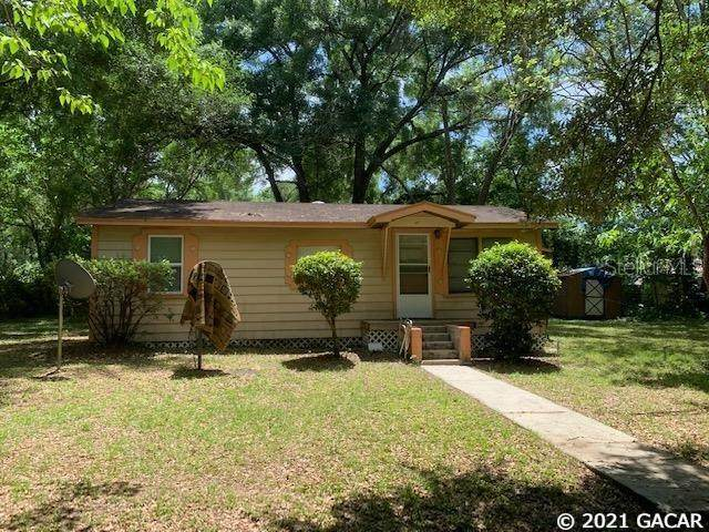 1453 SE 29th Terrace, Gainesville, FL 32641 (MLS #GC445301) :: The Curlings Group