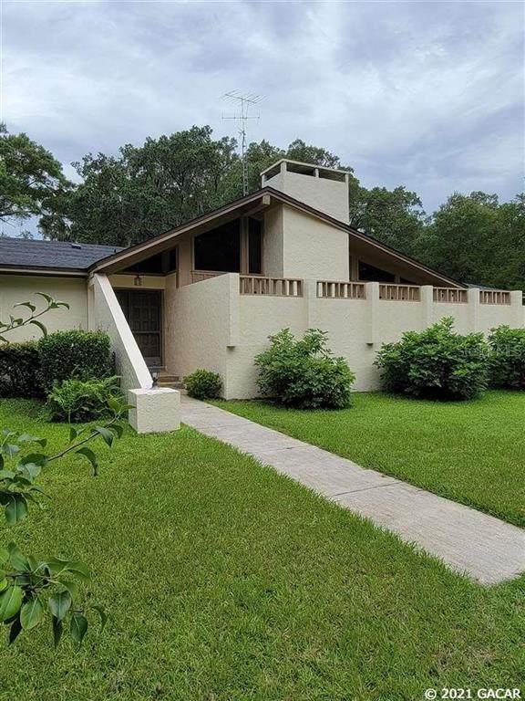 16819 SW 5th Place, Newberry, FL 32669 (MLS #GC446209) :: Delgado Home Team at Keller Williams
