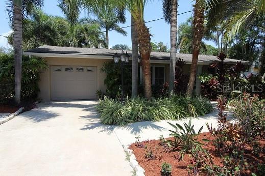 4424 Huntington Street NE, St Petersburg, FL 33703 (MLS #J905015) :: Lockhart & Walseth Team, Realtors