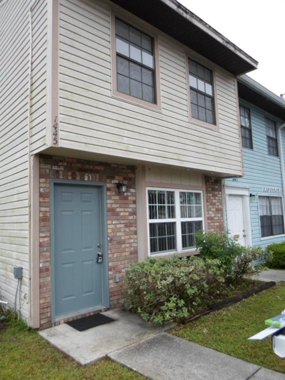 1445 Ridge Lake Court, Lakeland, FL 33801 (MLS #L4900544) :: The Duncan Duo Team