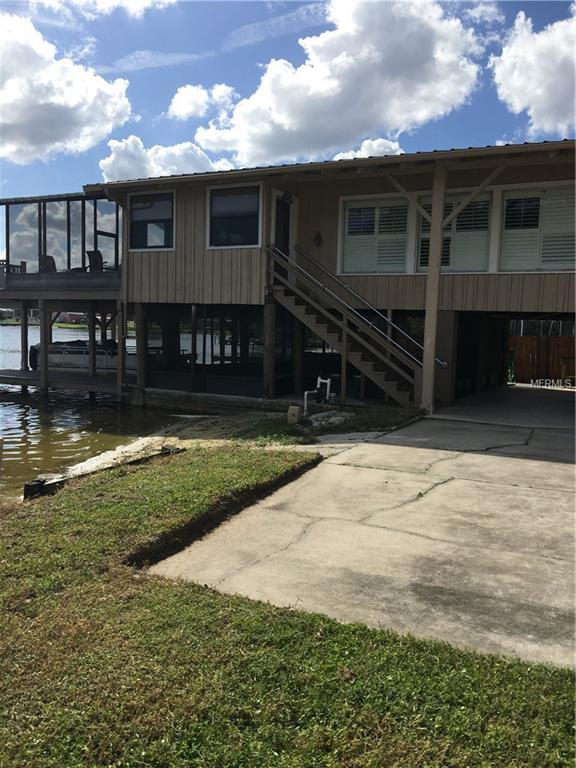 317 Lakeshore Court, Polk City, FL 33868 (MLS #L4904513) :: Team Touchstone