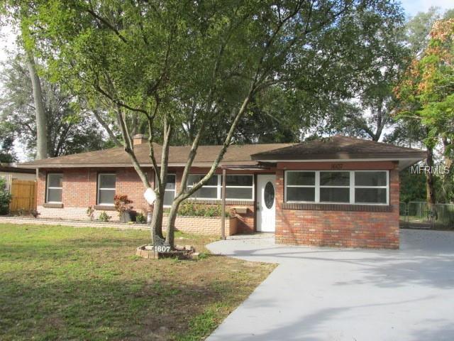 1607 Camphor Drive, Lakeland, FL 33803 (MLS #L4905030) :: Welcome Home Florida Team