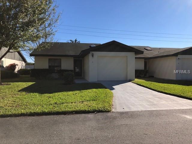 51 Buck Circle, Haines City, FL 33844 (MLS #L4905709) :: Lock & Key Realty