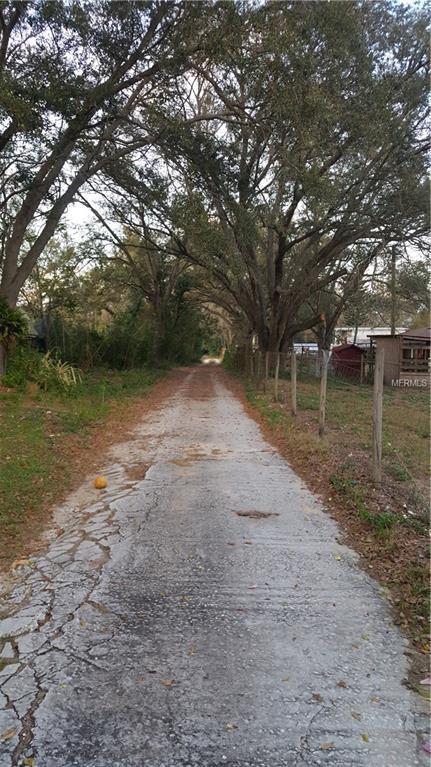 4226 Lake Hancock Road, Lakeland, FL 33812 (MLS #L4906223) :: The Duncan Duo Team