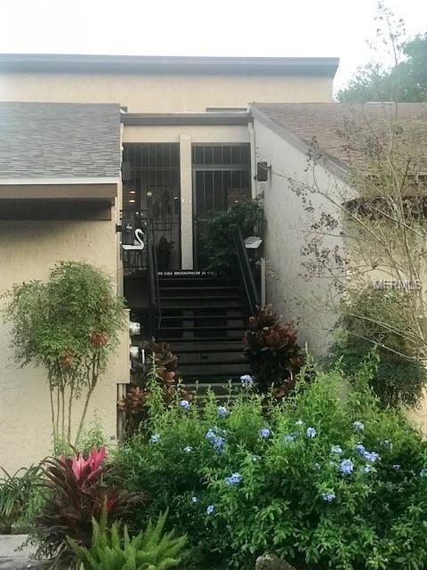 1 Lake Hollingsworth Drive #3, Lakeland, FL 33803 (MLS #L4907137) :: Gate Arty & the Group - Keller Williams Realty
