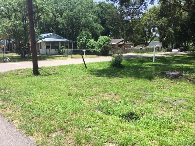 807 Hull Street, Lakeland, FL 33805 (MLS #L4909123) :: Bustamante Real Estate