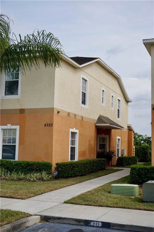 4225 Winding Vine Drive, Lakeland, FL 33812 (MLS #L4911304) :: Cartwright Realty