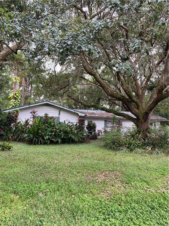 124 Crescent Drive W, Lakeland, FL 33805 (MLS #L4918851) :: Ramos Professionals Group