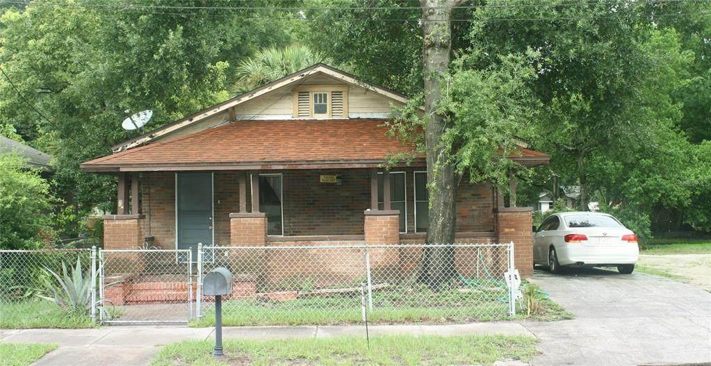 623 Pear Street - Photo 1