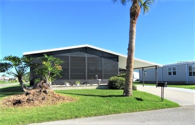266 Mariner Drive, North Port, FL 34287 (MLS #N6102372) :: The Duncan Duo Team