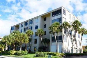 716 Granada Avenue 303PAR, Venice, FL 34285 (MLS #N6108227) :: Prestige Home Realty