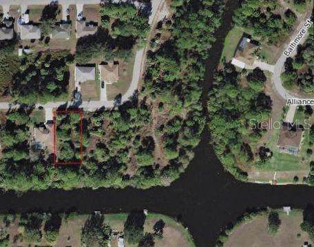 Traverse Avenue, North Port, FL 34286 (MLS #N6108872) :: Prestige Home Realty