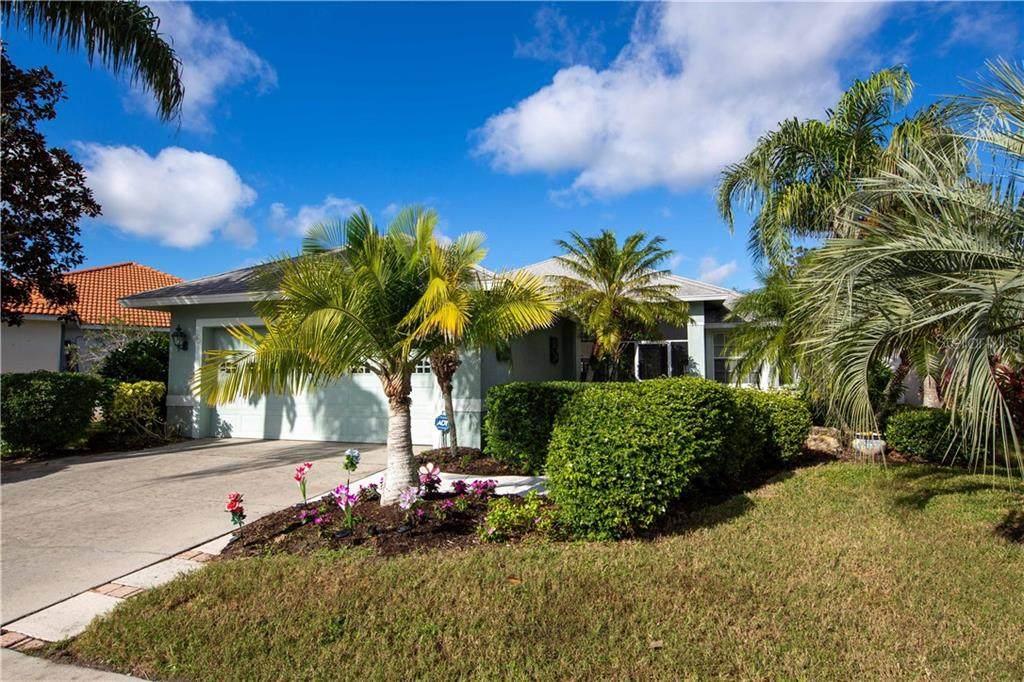 147 Coco Palm Drive - Photo 1