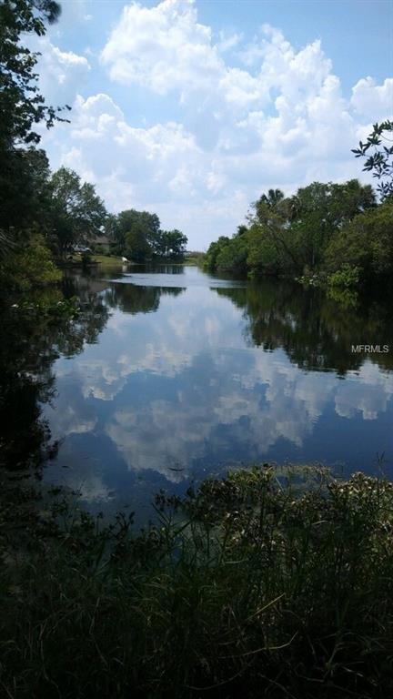 1360 Sioux Trail, Deltona, FL 32725 (MLS #O5561880) :: The Duncan Duo Team
