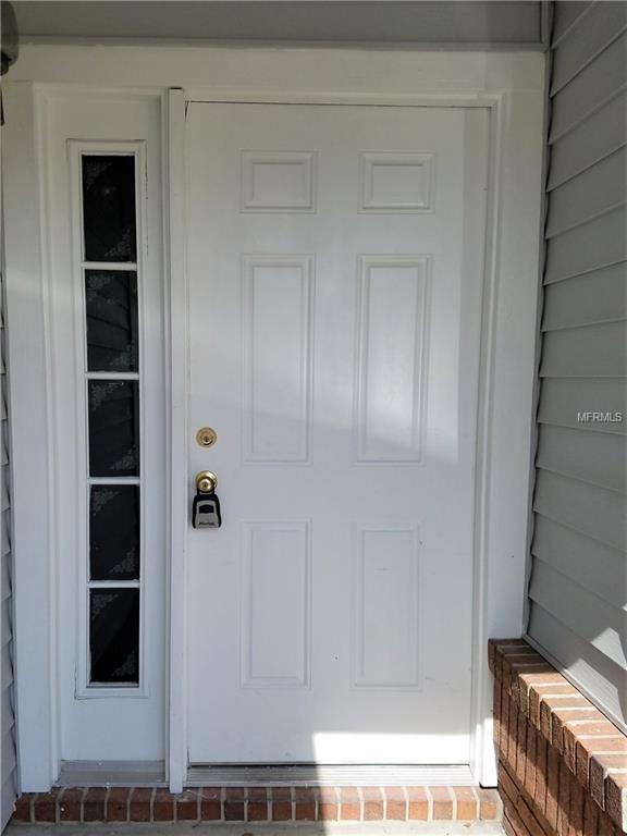 6589 Grosvenor Lane, Orlando, FL 32835 (MLS #O5563555) :: G World Properties