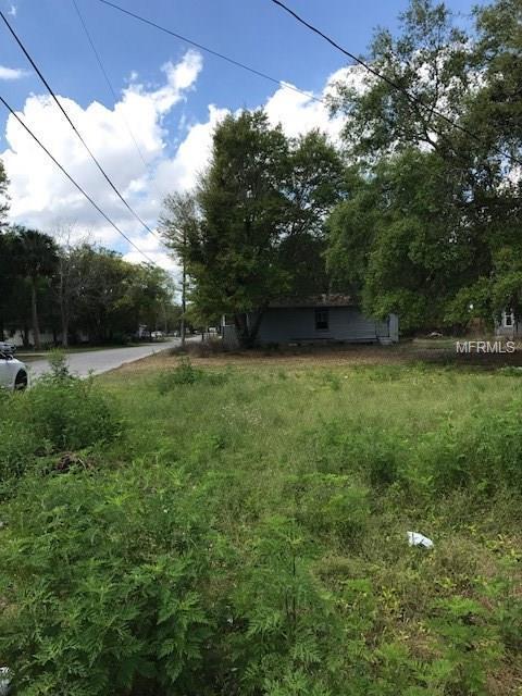 1402 W 11TH Street, Sanford, FL 32771 (MLS #O5568109) :: Premium Properties Real Estate Services