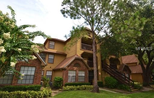315 Lakepointe Dr Drive #303, Altamonte Springs, FL 32701 (MLS #O5709972) :: OneBlue Real Estate