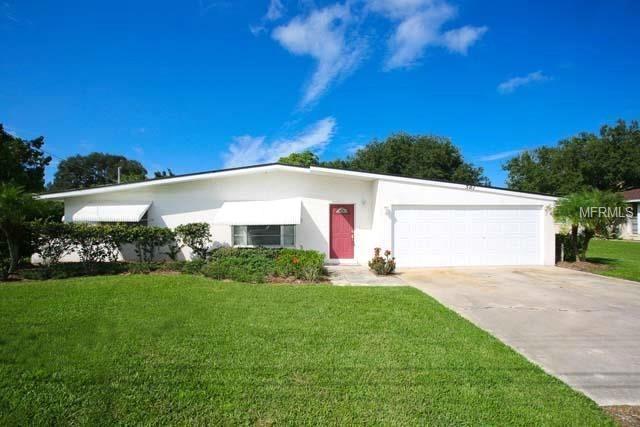 501 Dona Drive, Nokomis, FL 34275 (MLS #O5727500) :: Medway Realty